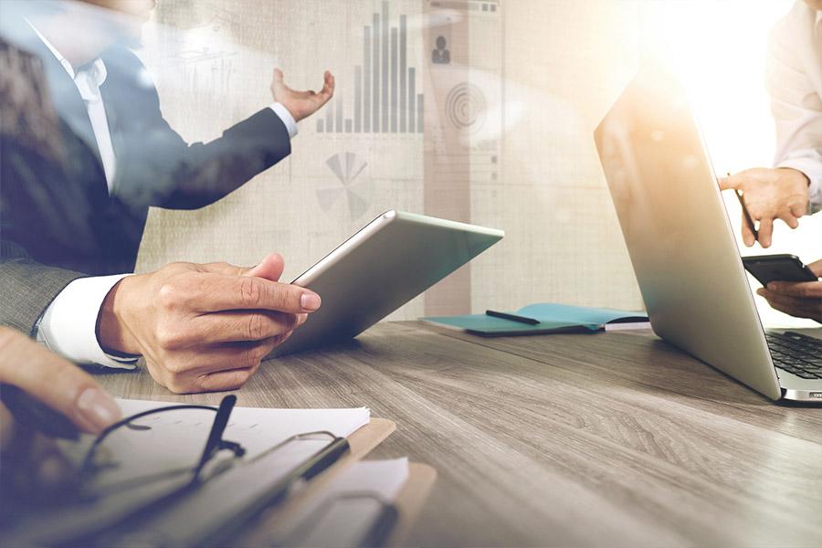 Empresarios y Emprendedores - business owners entrepreneurs